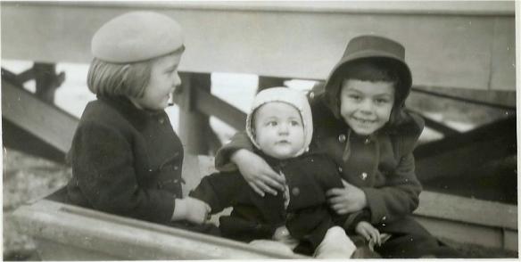 Michelle, Michael, Dianne 1947, SC