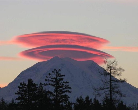Real photo of clouds over Mount Mckinley - Facebook