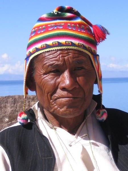 448747-Old-Peruvian-man--in-funky-hat-1