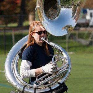 Amelia w Sousaphone